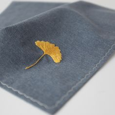 Natural Dye Hand made Cotton Navy Hanky with Ginkgo leaf Embroidery Pattern Hand Embroidery Videos, Hand Embroidery Art, Couture Embroidery, Embroidery Stitches, Embroidery Patterns, Machine Embroidery, Quilt Stitching, Knitting Stitches, Creations