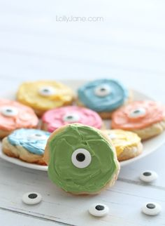 #DIY Easy #monster #cookies! So cute & playful for #Halloween!