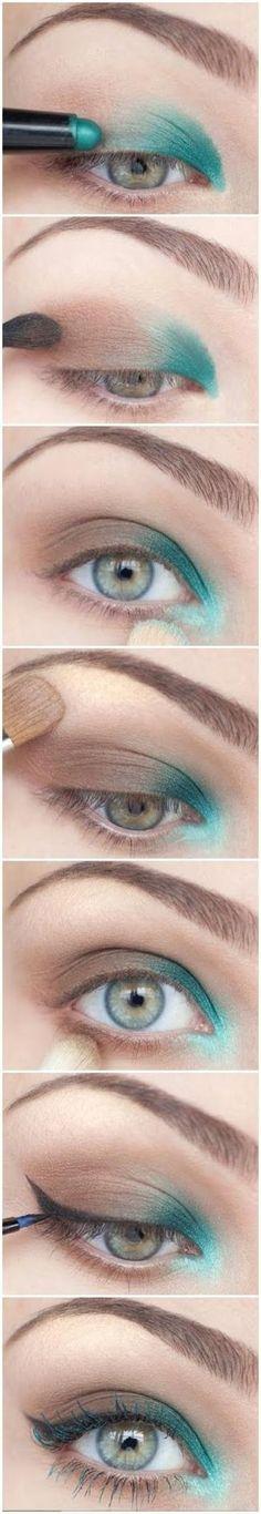 Teal eye makeup tutorial @Kristen Lewist #tealeyeshadow