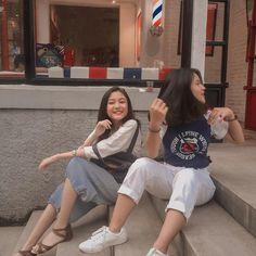 Couple Girls, Boyfriend Kpop, Korean Best Friends, Cute Girl Wallpaper, Fake Photo, Best Friend Goals, Best Friends Forever, Friend Photos, Friend Pictures