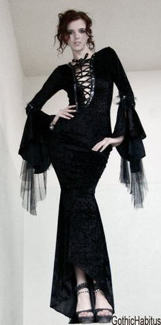 black long elegant gothic dress by VAGUEFASHION on Etsy, €199.00