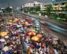 Bustling Megacities Photographed by Martin Roemers