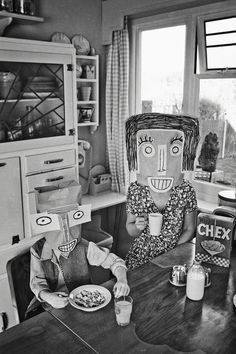 "Adoptez le look de ""Do you remember Saul Steinberg? Photo Portrait, Photo Art, Tag Art, New Kids, Art For Kids, Inge Morath, Arte Punk, Saul Steinberg, Paper People"