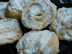 Bucataria mea: TRANDAFIRI CU NUCA DE COCOS Mai, Muffin, Cookies, Breakfast, Desserts, Food, Crack Crackers, Morning Coffee, Tailgate Desserts