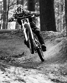 As a beginner mountain cyclist, it is quite natural for you to get a bit overloaded with all the mtb devices that you see in a bike shop or shop. There are numerous types of mountain bike accessori… Downhill Bike, Mtb Bike, Cycling Bikes, Bmx, Rollers, Mountain Biking, Montain Bike, E Skate, Mtb Trails