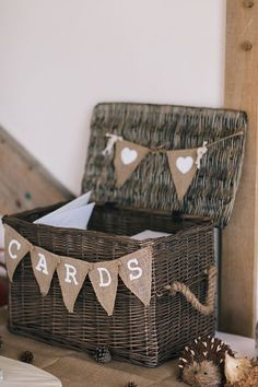 Card Hamper Wicker Hessian Bunting Soft Whimsical Natural Rustic Wedding / http://www.himisspuff.com/rustic-country-burlap-wedding-ideas/2/