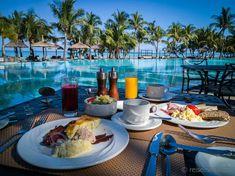 Frühstück im Dinarobin Beachcomber Resort auf Pool Spa, Diy Pool, Mauritius, Paradise Pools, Spa Images, Coffee Presentation, Pool Liners, Breakfast In Bed, Pool Designs