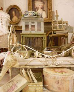 ☆ 𝔸𝕥𝕖𝕝𝕚𝕖𝕣 𝕕𝕖 𝕃é𝕒 ☆ (@atelier.miniature) • Photos et vidéos Instagram Aesthetic Room Decor, Miniture Things, Dollhouse Furniture, Dollhouse Miniatures, Decoration, Home Improvement, Sculptures, Decorative Boxes, Shabby Chic