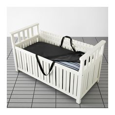 IKEA - ÄNGSÖ / TOSTERÖ, Penkki ja säilytyslaukku ulkokä, , Hyvä säilytyspaikka puutarhavälineille ja kukkaruukuille.Vedenkestävässä säilytyslaukussa säilytettyinä tyynyt ja pehmusteet säilyvät pidempään hyvinä ja käyttökuntoisina.Suojaa ulkokalusteiden tyynyjä sateelta, auringolta, lialta, pölyltä ja siitepölyltä ja helpottaa niiden säilyttämistä.Mäntyiset ulkokalusteet on valmistettu sydänpuusta eli puunrungon tiiviistä sisäosasta. Näin kalusteista saadaan mahdollisimman kestäviä ja…