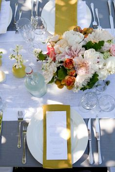 fun pops of yellow on this table top :: #wedding #dinner #menu #placesetting #yellow #grey