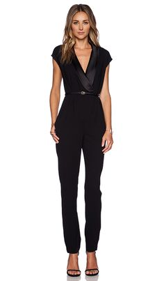 Halston Heritage Draped Jumpsuit in Schwarz Short Outfits, Casual Outfits, Cute Outfits, Jumpsuit Outfit, Black Jumpsuit, Moda Formal, Halston Heritage, Revolve Clothing, Mode Style