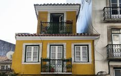 Sell or rent your property with Home Hunting Portuguese, The Neighbourhood, Portugal, Mansions, House Styles, Home Decor, Lisbon, Places, Mansion Houses
