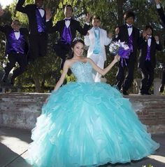 Las últimas tendencias en vestidos de invierno para tus Quince: http://www.quinceanera.com/es/vestidos/las-ultimas-tendencias-en-vestidos-de-invierno-para-tus-quince/?utm_source=pinterest&utm_medium=article-es&utm_campaign=012115-las-ultimas-tendencias-en-vestidos-de-invierno-para-tus-quince