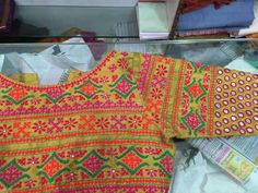 HouzDeco – Interior Design and Home Decor Ideas Blouse Patterns, Saree Blouse Designs, Hand Embroidery Dress, Embroidered Blouse, Kutch Work Designs, Mirror Work Blouse, Indian Designer Sarees, Blouse Models, Anarkali