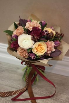 Find out about The Different Types Of Roses – Ideas For Great Gardens Dried Flower Arrangements, Beautiful Flower Arrangements, Dried Flowers, Bouquet Wrap, Hand Bouquet, Home Flowers, Beautiful Flowers, Types Of Roses, Flower Packaging