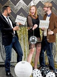 Celebrate New Year's Eve With a DIY Photo Booth | Design Happens