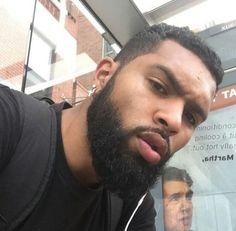 He fine with sexy lips 💋 Fine Black Men, Handsome Black Men, Fine Men, Fine Boys, Black Women, Cute Black Guys, Gorgeous Black Men, Beautiful Men, Beard Styles For Men