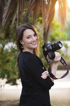 Photographer Self Portrait, Photographer Headshots, Photographer Branding, Family Photographer, Model Poses Photography, Photography Website, Lifestyle Photography, National Geographic Photographers, Girls With Cameras