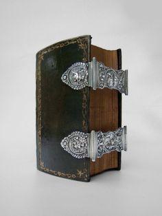 Prudentia, Spes, Justitia, Sapientia, Caritas and Fortitudo in book-silver, by Albert.H. Kuypers (1804)
