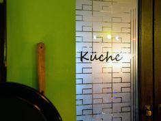 Unter dem Motto enjoy @ home bieten wir Euch am kommenden Freitag & Samstag unsere Küche zur Abholung an. OK .... nicht die ganze Küche. Wir haben ausgewählte Speisen zu einer kleinen aber sehr feinen Karte zusammengestellt. Dazu kommt immer noch ein Wochenspecial. Ihr kennt das .... das Special gibt es nur in der Woche. Wir starten Restaurant Bar, Motto, Home Decor, Friday, Cards, Decoration Home, Room Decor, Home Interior Design, Mottos