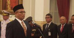 IndonesianIndustry.com-Hasyim Asy'ari dilantik menjadi Komisioner Komisi Pemilihan Umum (KPU) berdasarkan Keputusan Presiden (Keppres) Nomor 87 Tahun 2016 dalam sisa masa jabatan 2012-2017. Hasyim Asy'ari dilantik oleh Presiden Joko Widodo (Jokowi) di Istana Negara Jakarta, Senin. Hasyim tercatat se…
