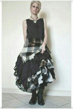 Robe + Jupe Ewa I Walla à vendre ici : http://cgi.ebay.fr/ws/eBayISAPI.dll?ViewItem&item=291205586641&ssPageName=STRK:MESELX:IT&_trksid=p3984.m1555.l2649