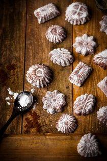 HŘEBÍČEK MLETÝ Toto každému známé koření plné vůně, jsou sušená nerozvitá poupata tropického stromu hřebíčkovce. Stejně jako poupata voní i listy. Jako... Korn, Happy Baby, Christmas Cookies, Baking, Breakfast, Cake, Sweet, Decor, Almond Cookies