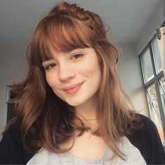 Movie Tutorial and Ideas Hairstyles With Bangs, Pretty Hairstyles, Hair Inspo, Hair Inspiration, Medium Hair Styles, Short Hair Styles, Long Hair With Bangs, Ginger Hair, Hair Dos