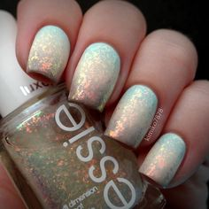 Eeeek... so yummy! I did this gradient with 'At Vase Value' from China glaze, 'Poetic Hues' from Color Club and 'Miss Fancy Pants' from Essie and then topped it off with 'Shine of the Times' from Essie.