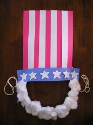 adorable Uncle Sam Mask is made from a paper plate, construction paper and cotton balls; an easy an inexpensive kids craft to celebrate any American holiday! Summer Crafts, Holiday Crafts, Holiday Fun, Daycare Crafts, Daycare Ideas, American Symbols, American History, Patriotic Crafts, Camping Crafts