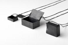 Céline Sylvestre - Boite noire, collier - © Matthieu Gauchet