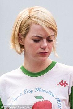 Emma Stone debuts shorter 'do on set of Netflix's Maniac | Daily Mail Online