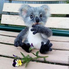 Купить Маленькая коала. Игрушка из шерсти. - серый, коала, пушистик, малышка, малыш, шубка