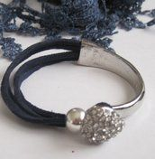 Gorgeous Suede silver heart slider bracelets. £10. Available in a range of colours: navy, red, black, cream, brown and purple at www.simplysilverbyrebecca.com
