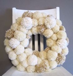 Pom Pom winter wreath for christmas