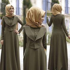 Image may contain: 2 people, people standing Iranian Women Fashion, Islamic Fashion, African Fashion, Hijab Style Dress, Hijab Chic, Abaya Fashion, Fashion Dresses, Moslem Fashion, Modele Hijab
