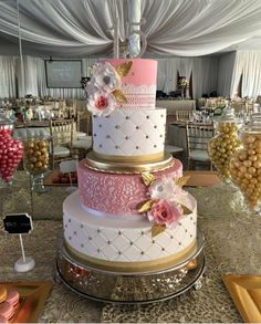 Cake Designs For Quinceanera Fondant Wedding Cakes, Fondant Cakes, Cupcake Cakes, Quinceanera Cakes, Quinceanera Decorations, Elegant Wedding Cakes, Diy Wedding, Wedding Reception, Cake Art