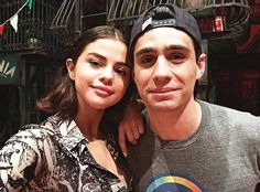 @selenagomez with an actor from 'A Bronx Tale' in New York [September 5] #SelenaGomez con un actor de 'A Bronx Tale' en Nueva York [Septiembre 5] #Selena #Selenator #Selenators #Fans