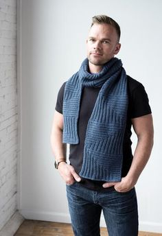 Geometric scarf knitting pattern with i-cord bind-off . Isometric Scarf by Alice Caetano for Rib Magazine knit in The Fibre Co. Mens Scarf Knitting Pattern, Mens Knitted Scarf, Knitting Patterns, Knitted Scarves, Men Scarf, Men's Scarves, Knitted Shawls, Knitting Ideas, Mens Scarf Fashion