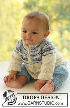 Sett med strikket jakke med rundfelling og nordisk mønster, og bukse til baby og barn i DROPS Alpaca