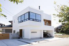 Garage Studio, Garage House, H Design, Good House, Tiny House Design, Interior Design Studio, White Houses, Floor Plans, Home And Garden