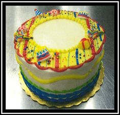 White Buttercream, Buttercream Filling, Frosting, Sugar Mold, Marble Cake, Holiday Cakes, Round Cakes, Classic Collection, Birthday Cake