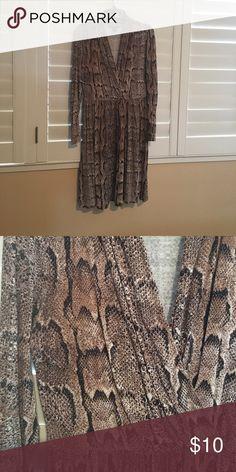 Snakeskin print dress Light cotton fabric with snakeskin print. H&M Dresses Midi