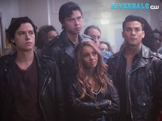 Riverdale' season 2 episode 12 spoilers: archie learns the lodges Riverdale Season 2, Riverdale Cw, Riverdale Aesthetic, Riverdale Funny, Riverdale Memes, Betty Cooper, Sweet Pea Riverdale, Cole Sprouse Jughead, Riverdale Cole Sprouse