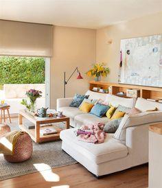 Me encanta, me gusta todo: paredes, sofá, colores, mesa de centro, alfombra...