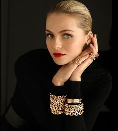 Classic red lips + all black + gold bracelets