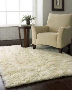 Oh, the white flokati rug. I'd love to bury my feet in one of these.