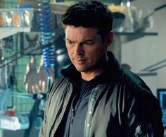 Karl Urban as John Kennex in Almost Human in what appears to be a robot factory. Karl Urban and robots? Clearly I gotta pin this. Nine days until AHN (Almost Human Night). In *theory*...