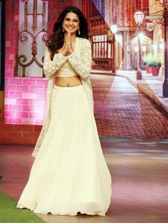 Jennifer Winget looks stunning in this cream-coloured outfit.