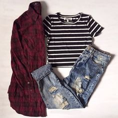 Fitted black and white striped crop top, ripped boyfriend jeans, red and black flannel ❤ Mode Outfits, Grunge Outfits, Casual Outfits, Hipster School Outfits, Hipster Style Outfits, Striped Outfits, Club Outfits, College Outfits, Casual Clothes